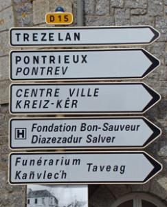 Breton-bilingual-road-signs